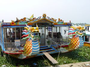 Drachenboot am Parfümfluß der alten Kaiserstadt Hue